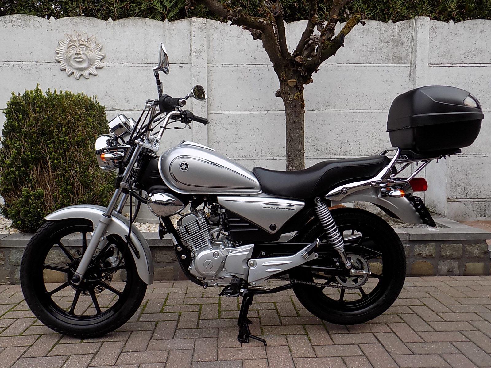 yamaha ybr 125 custom  (nieuwstaat)!!!