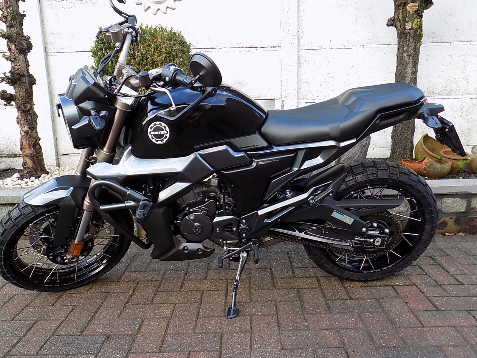 Zontes 125 scrambler café racer moto EURO 5