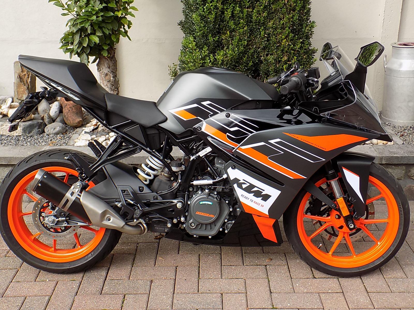 ktm rc 125cc racer